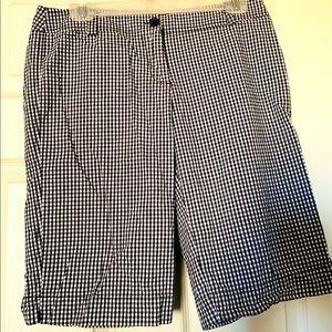 Bermuda shorts, back and white size 8